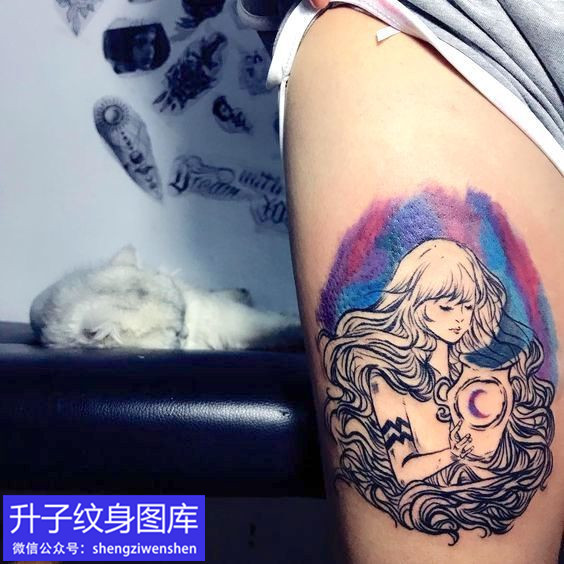 大腿外侧水瓶座纹身图案