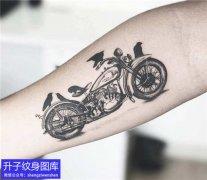 小臂内侧机车摩托车纹身图案