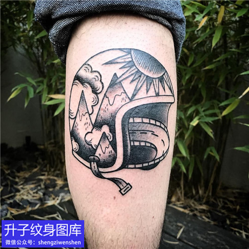 小腿外侧机车纹身图案