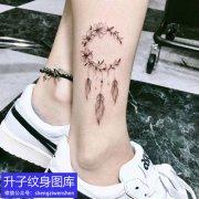 脚踝捕梦网纹身图案