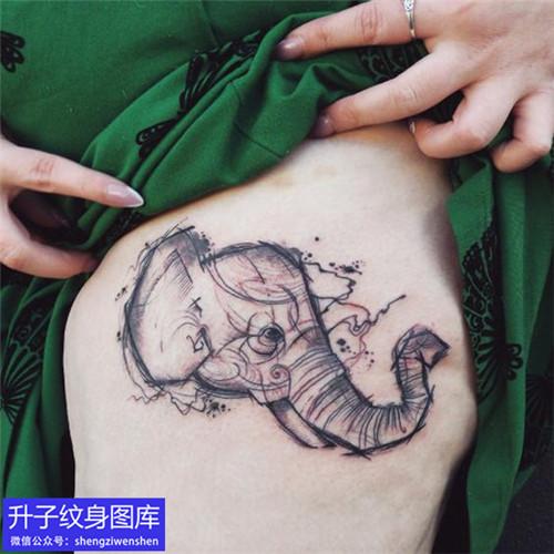 大腿大象纹身图案