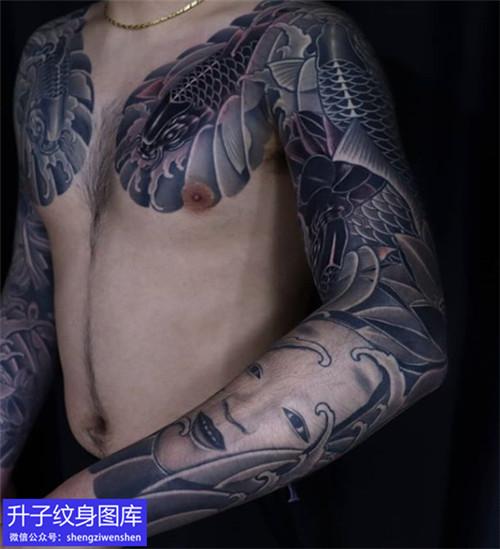 黑灰传统鲤鱼和能面纹身图案