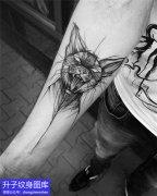 手臂内侧暗黑系列猫纹身图案
