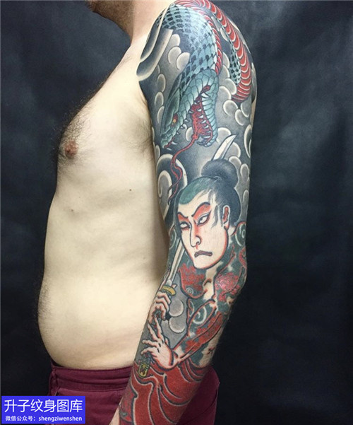 传统花臂蛇纹身图案