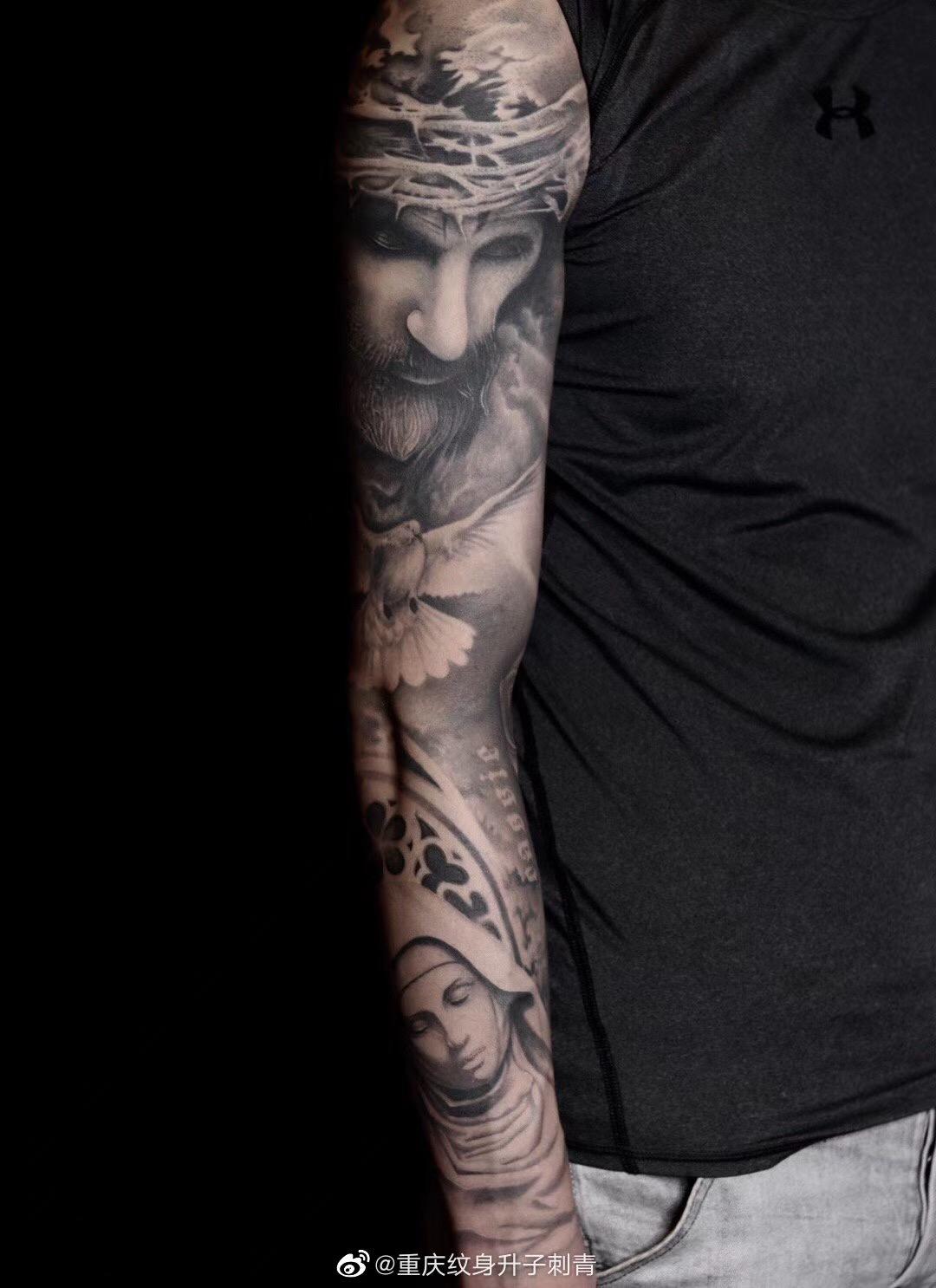 重庆纹身店欧美写实花臂纹身作品 耶稣与圣母