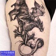 重庆刺青 大腿暗黑外侧翼龙纹身图案