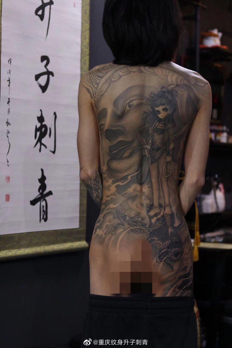 新传统满背佛与哪吒纹身图案