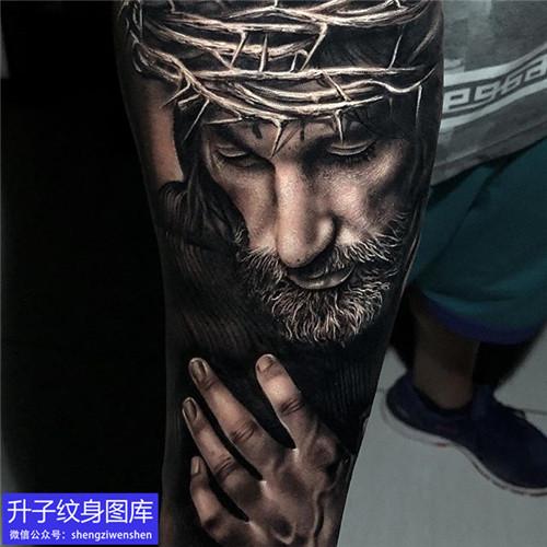 手臂写实肖像耶稣纹身图案