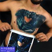 胸口彩色写实蝙蝠侠纹身图案