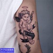 手臂小天使纹身图案