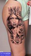 大腿外侧欧美黑灰肖像纹身图案