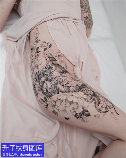 美女大腿鱼和素花纹身图案