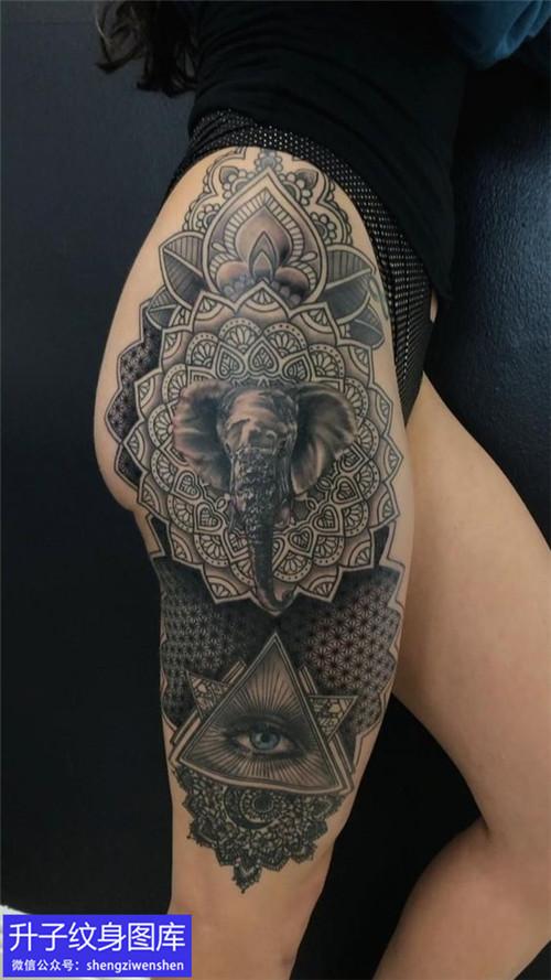 大腿大象上帝之眼纹身图案