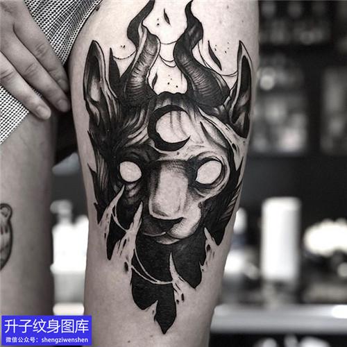 大腿正面暗黑猫纹身图案
