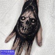 手背暗黑骷髅头纹身图案