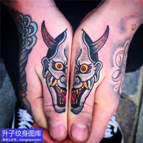 手臂传统彩色般若纹身图片