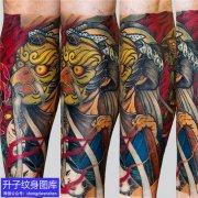 传统彩色手臂河童纹身图案