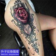 大腿外侧玫瑰花纹身图案