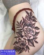 臀部玫瑰素花纹身图案